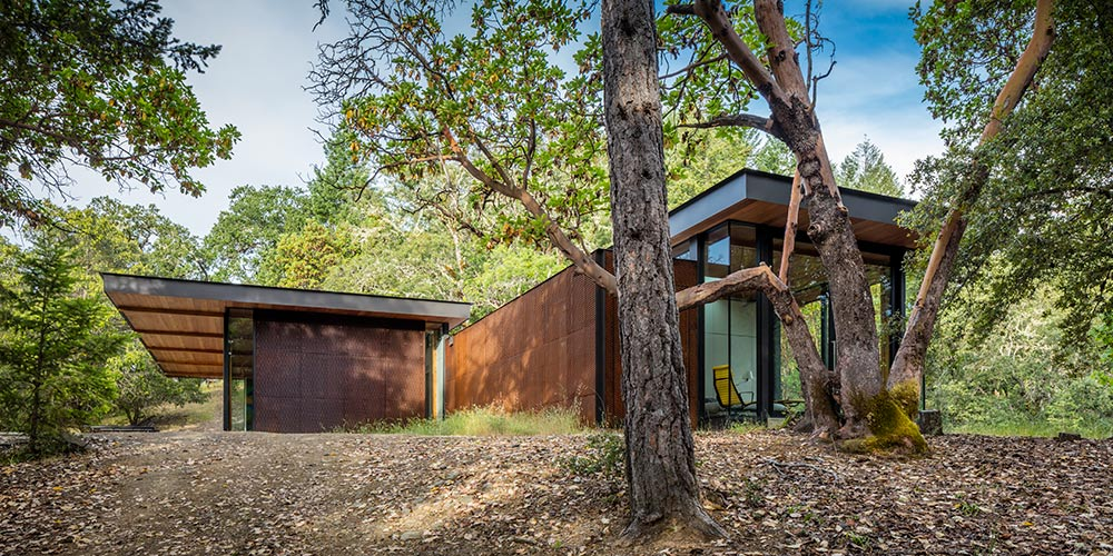 </p><h1>An orchestrated retreat</h1><p></p><ul>