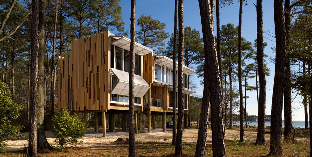 </p><h1>An innovative, prefabricated home</h1><p></p><ul>