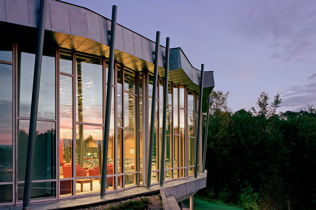 <p>Atwater Commons, Middlebury College, Middlebury, Vermont, 2004<br>&nbsp;<br /><small>&copy;Barry Halkin</small>&nbsp;<br /></p>