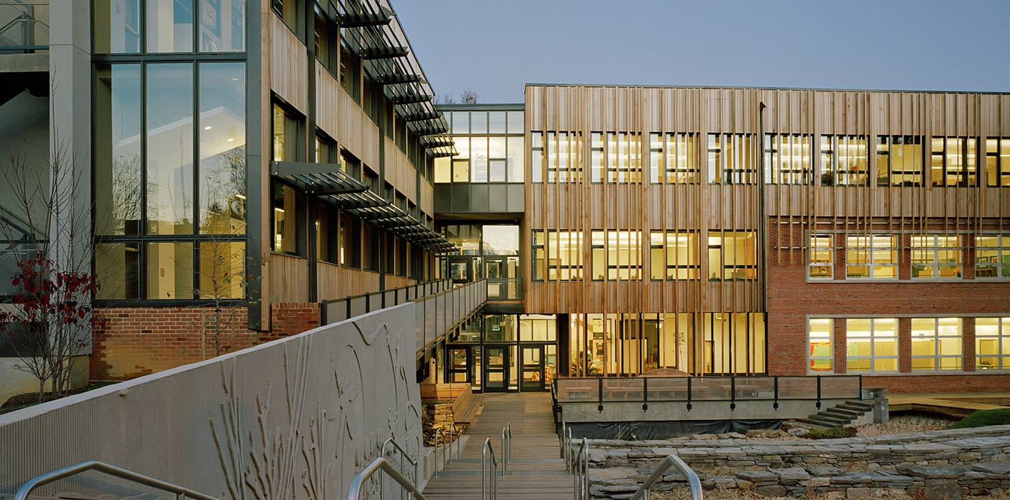 <p>Stewart Middle School, Sidwell Friends School, Washington, DC, 2006  &nbsp;<br /><small>&copy;Barry Halkin</small>&nbsp;<br /></p>
