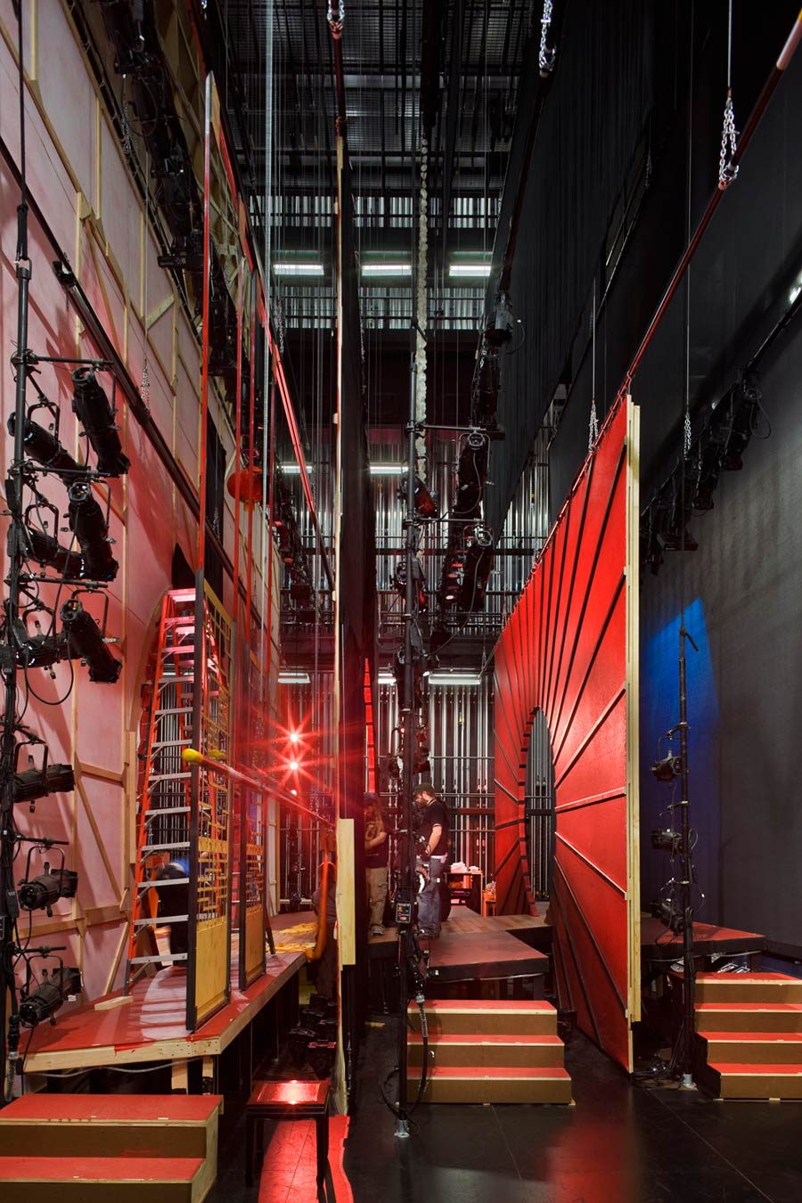 <p>Backstage, the fly gallery rises two and a half times the height of the proscenium for rigging scenery, lighting, and props. Ample wing space and a trap room allow actors to move beyond the possibilities of the former theater. Control rooms for lighting, sound, and stage direction are on the third floor, with uninterrupted sight lines to the stage and access to the lighting galleries. <br><small>© Peter Aaron/OTTO</small></p>