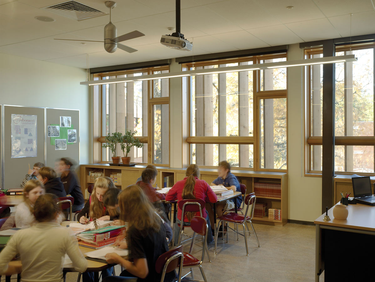 <p>Classrooms are designed to use natural lighting as the primary illumination source. Teachers and students can take advantage of high performance operable windows to control their environment. <br><small>© Halkin Photography LLC</small></p>