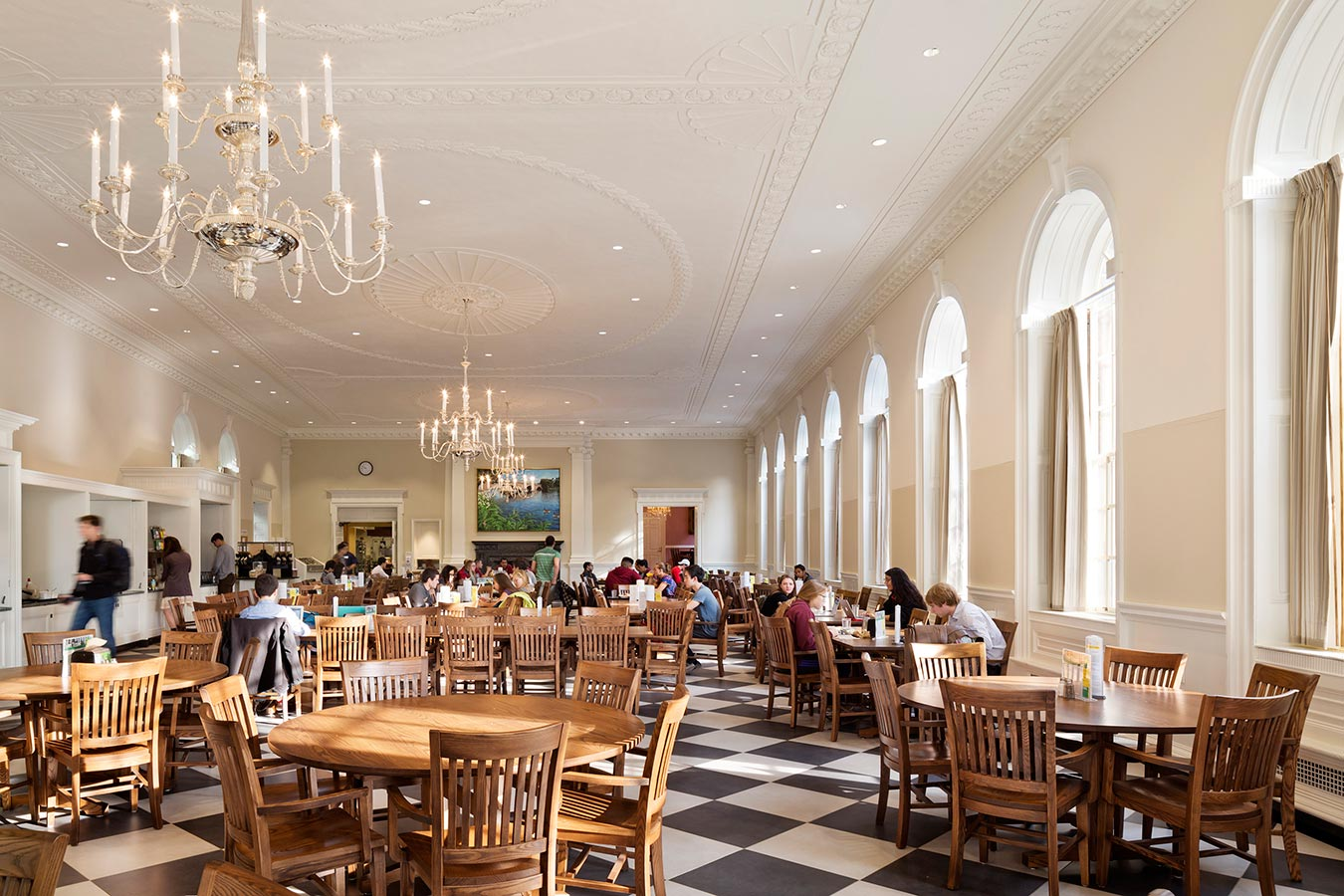 <p>Many of the historic rooms had lost some of their original luster over time, and the restoration takes them back to their original grandeur while adding modern conveniences. A guiding principle was the seamless integration of technology�for instance, presentations can now be made in the dining hall via screens hidden in the ceiling. <br><small>© Michael Moran/OTTO</small></p>