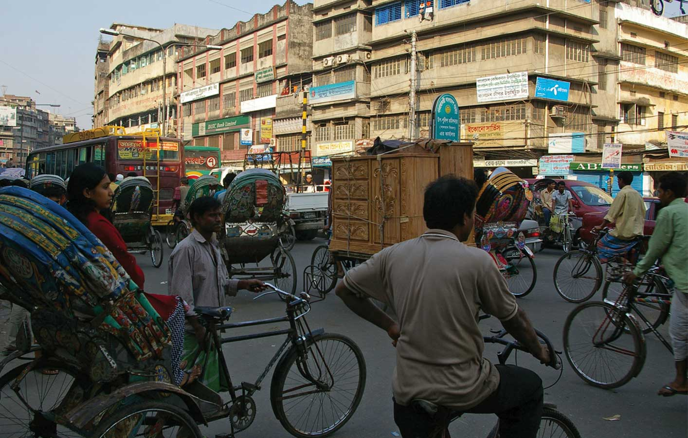 <p>Rickshaws account for a significant percentage of traffic in Dhaka.</p>