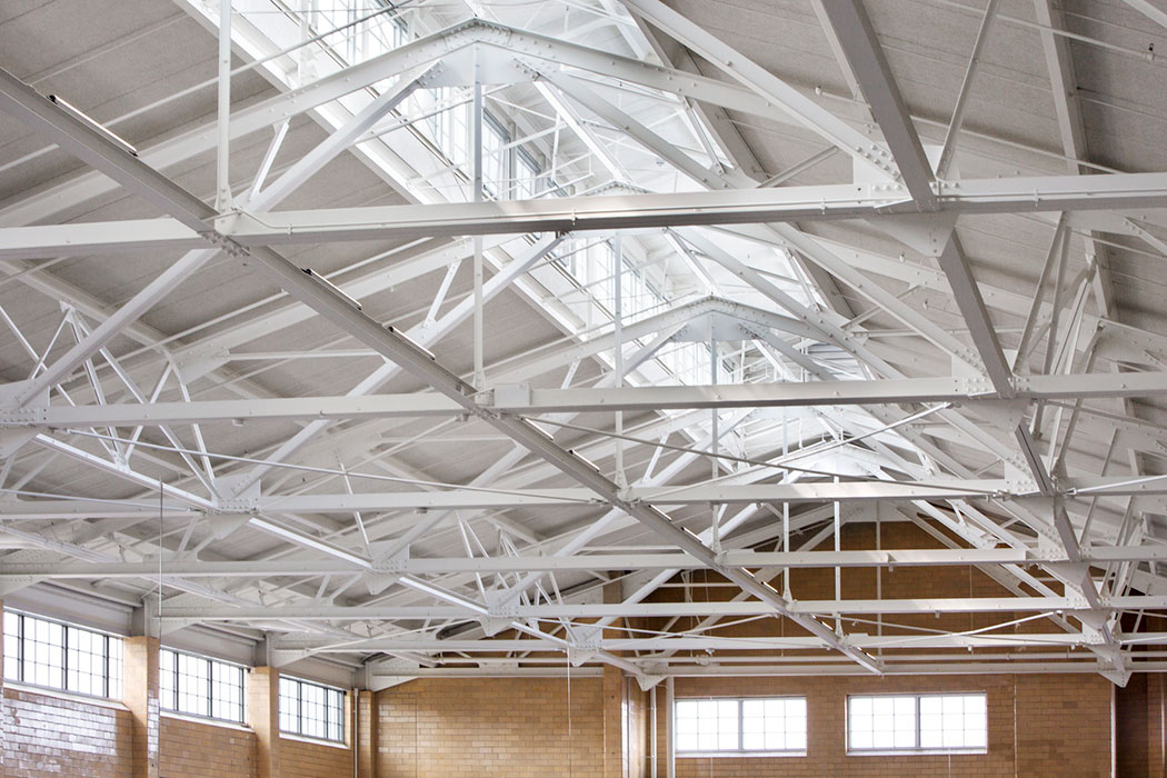 <p>Originally built to be self-ventilating, the bottling house features a lofty ceiling allows heat to rise before exiting through the monitor windows that run the length of the building. <br><small>© Michael Moran/OTTO</small></p>