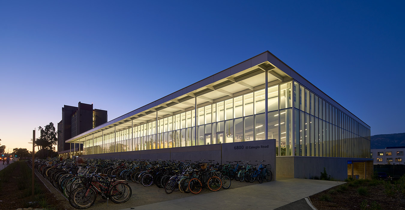 <p>A large bike lot in front of the building serves UCSB's bike-centric culture and makes the building feel welcoming and domestic. <small>©Bruce Damonte</small>  </p>