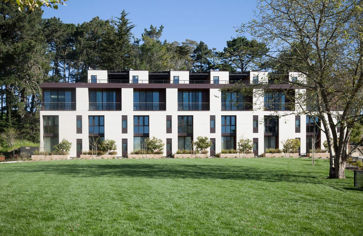 <p>This multi-family residence is the only newly constructed residential building in the Presidio National Park. Designed to conserve resources and minimize impact on the site, the project  is confined within a compact footprint of 6,720 square feet. <br><small>&copy; Richard Barnes/OTTO</small></p>