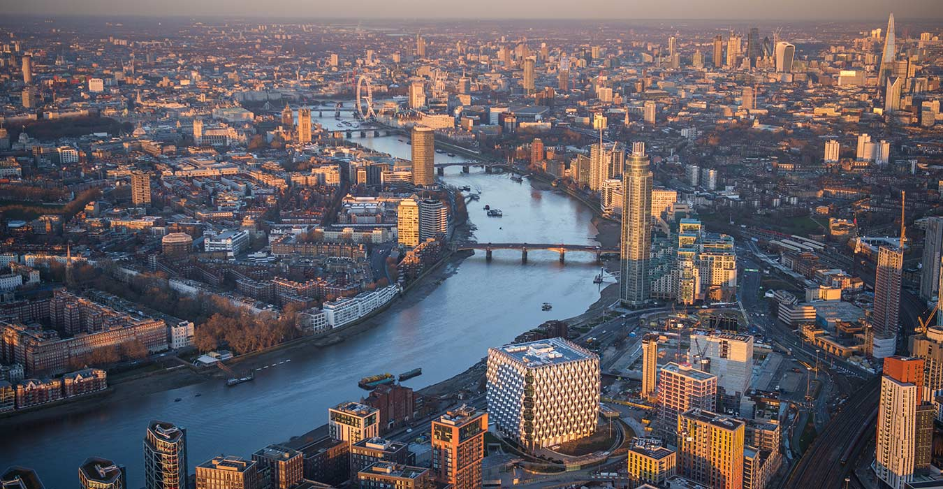<p>The Embassy provides a strong framework for the Nine Elms district, an industrial zone under intense redevelopment on London's South Bank.<small><br> &copy;Jason Hawkes</small></p>