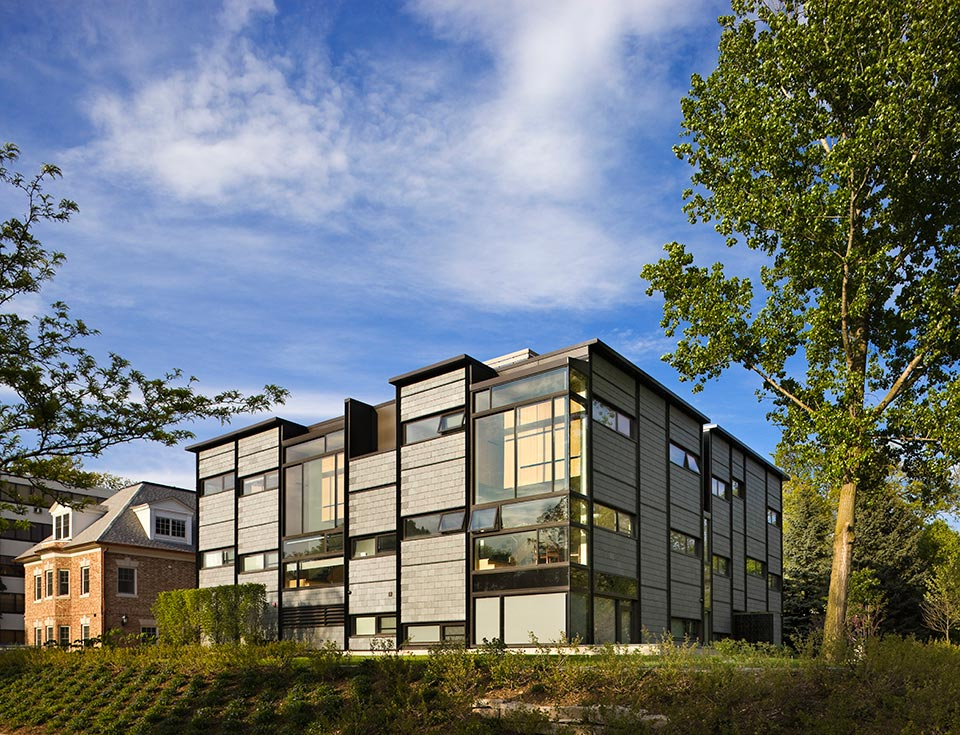 1315 Hill Street Apartments, Campus Realty, Ann Arbor, MI <br /><small>©Peter Aaron/OTTO</small>