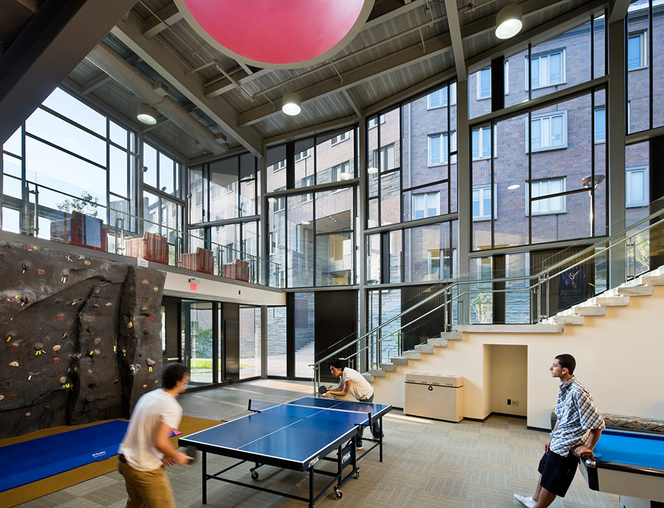 Noyes Community Recreation Center, Cornell University, Ithaca, NY <br /><small>©Peter Aaron/OTTO</small>